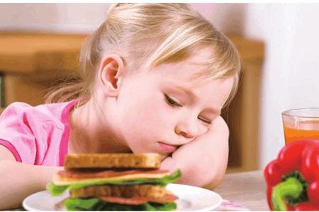 小孩不爱吃饭怎么办,影响长高发育急死妈妈