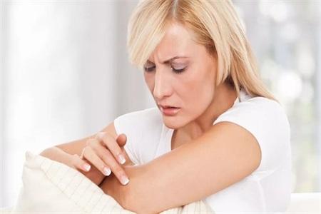 鸡皮蛇皮肌肤怎么改善?改善问题肌肤记住小窍门