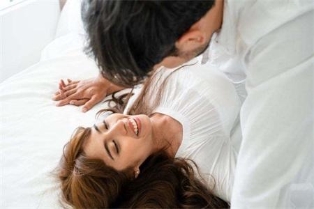滚床单有助于减肥?性爱对女人有哪些好处