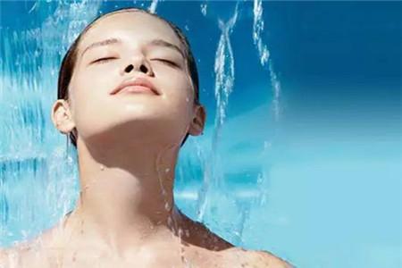 年纪增长以后,不同年龄女性的肌肤保养策略
