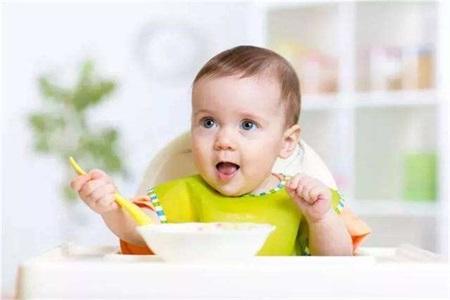 孩子吃饭要看手机怎么办