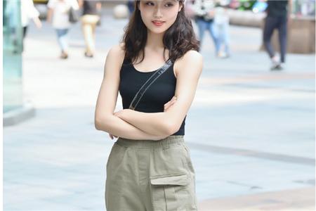 中性帅气女性如何巧妙穿搭夏季服装,这四种造型蛮不错