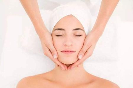 女性变老的面部征兆,教你四个方法减缓衰老