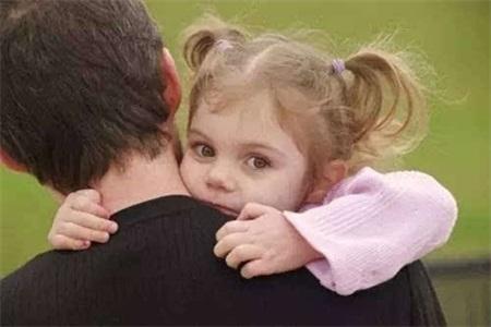 孩子没有安全感就会缺爱吗?但现实是给予安全感也需要条件