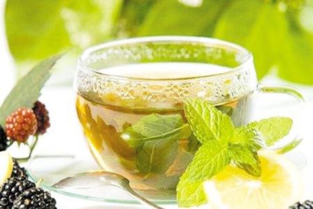 绿茶如何帮助女生减肥,和这几种食材搭配效果更好