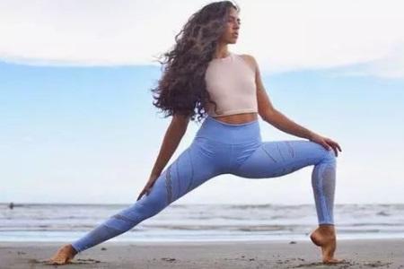 瑜伽瘦腿体式,甩掉大腿赘肉,美化腿部线条