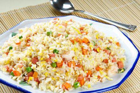 蛋炒饭经典三种做法,鸡蛋百搭食材轻松完成
