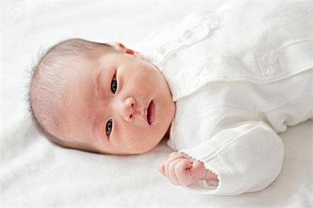 新生儿黄疸怎么退的快?用偏方是否有效妈妈要知道