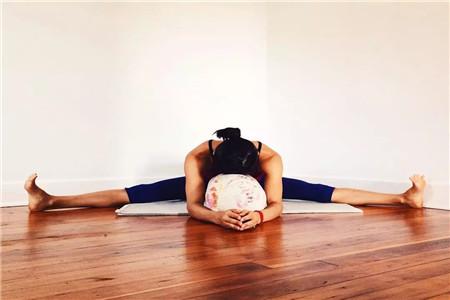 八个开髋瑜伽体式动作,坚持锻炼绝对有效