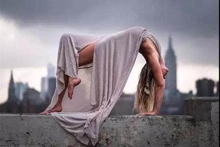 练习瑜伽的好处不仅仅是减肥,这些瑜伽动作体式有助于缓解肩酸腰疼