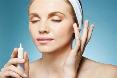 深究肌肤老是暗沉发黄的三大原因,解决皮肤问题不烦恼