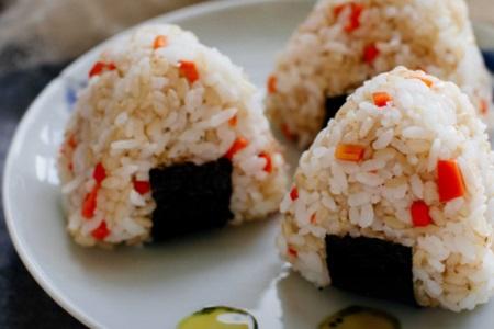 减肥食谱一周瘦10斤,快速减肥学会糙米减肥餐