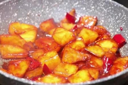 冬瓜怎么做好吃,除了常规冬瓜汤的做法,红烧冬瓜更美味