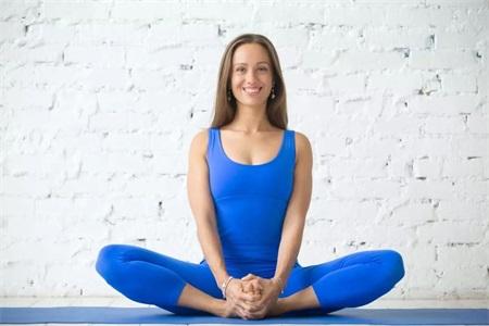 是翘臀还是假胯宽,女性可以练习这三组瑜伽动作来改善