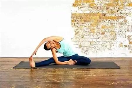 肠胃不好怎么调理,三组瑜伽动作调理肠胃还能瘦腿