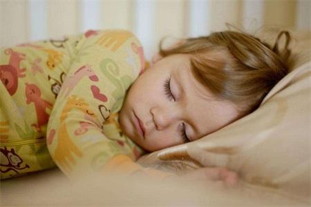 宝宝睡觉磨牙是什么原因,如何预防和避免宝宝磨牙