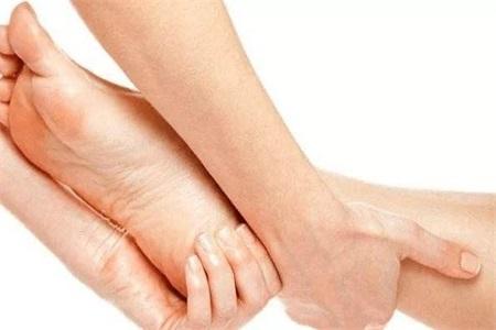 腿抽筋是什么原因,孕妇小腿抽筋这样做可以缓解