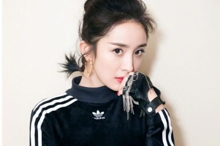 戴耳环的少女,杨幂、蔡依林的圆圈耳环首饰