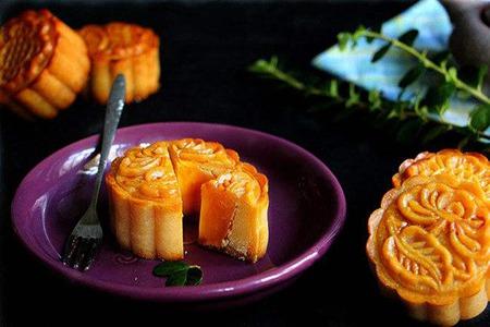 中秋节月饼怎么做,广式莲蓉月饼简单的制作方法步骤