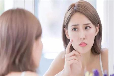 女性祛痘不能一刀切,根据面部痤疮的种类对症下药才好治疗
