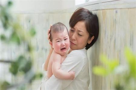 新生儿最容易患上湿疹,对抗湿疹这样做最有效
