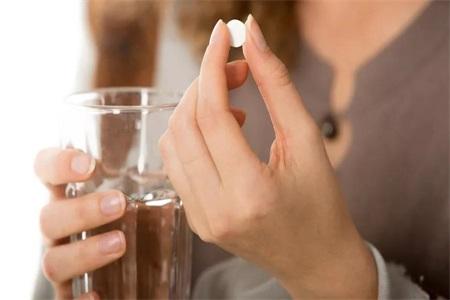 紧急避孕药什么时候吃有效,女性用药需要注意的事项