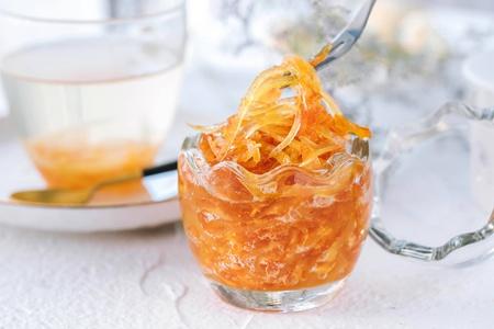 柚子皮味道清香,功效清肠助消化,蜂蜜柚子茶的做法