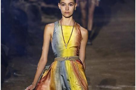 2020年Dior春夏时尚流行,巴黎时装周秀场的繁花盛宴