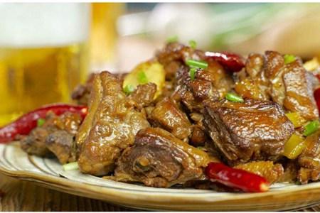 啤酒鸭的家常做法食谱,鸭肉清凉营养高
