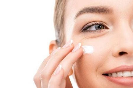 眼霜会涂才有效,正确使用方法紧致眼周肌肤