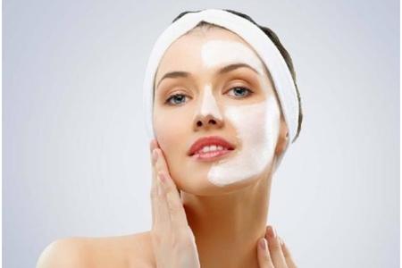 秋天换季皮肤干燥起皮怎么办,女生滋润脸部的五个方法