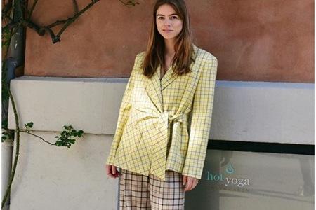 复古风格纹西装时尚百搭,英伦风情成为秋冬穿衣首选