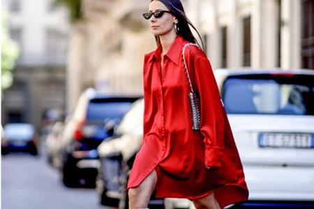 如何营造法式风情的穿搭,缎面单品修饰好身材