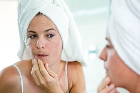 怎么去黑头不伤害皮肤,女生清理毛孔的五个方法