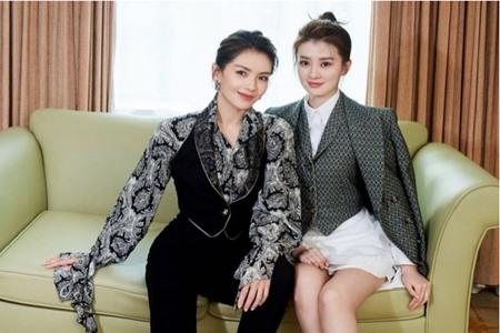 刘涛乔欣穿着宫廷风职业装,成套西装演绎干练精英