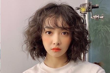 宋茜新剧海藻卷发型,盘点她最成功的时尚造型