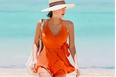 比基尼美女要如何挑选泳衣,三款不同身材找到适合的泳装
