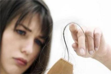 女性头皮痛是怎么回事,发根疼痛会脱发吗