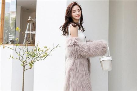 皮草大衣怎么選,粉色系列款式怎么搭配都好看