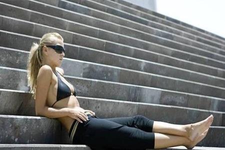 觉得郑多燕减肥操太难做,最适合懒人的减肥运动快行动