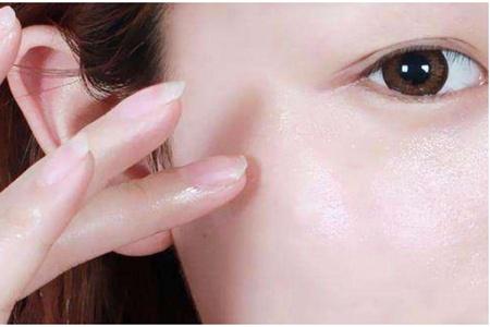 维生素e能够去痘印吗?三个方法教女生每天涂出好皮肤