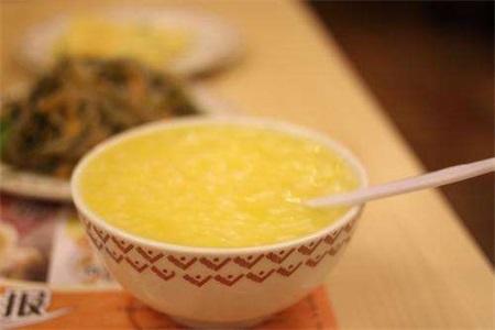黄芪的功效与作用,手脚冰冷的女性秋冬拿它煮粥更健康