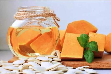 南瓜子的六个功效和作用,女生每天吃南瓜有减肥效果