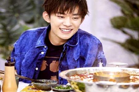 王俊凯和王源为易烊千玺19岁生日送祝福 易烊千玺娱乐圈好人缘时候到了