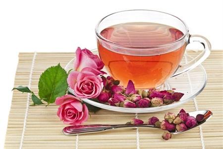 玫瑰花茶的功效与作用 女性学会制作常喝可以美白淡斑
