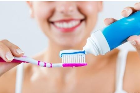 牙龈出血的五个原因别大意,治疗口腔出血的小妙招