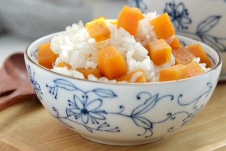 红薯的功效与作用 女性冬至吃红薯焖饭好消化易吸收还不胖
