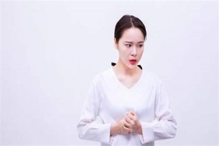 白带有血丝是怎么回事?女性白带异常主要和这两点有关系