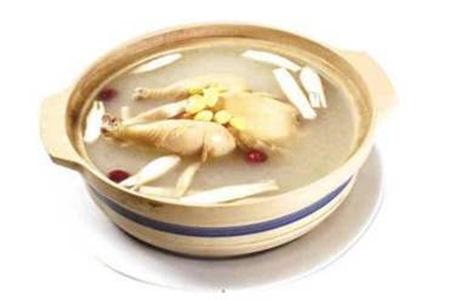 黄芪的功效与作用,除了黄芪水女性常喝黄芪当归鸡汤更养颜