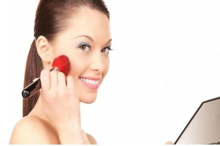 一亿化妆品被查,化妆品过敏的脸部症状教你辨别假货